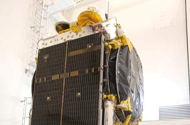 مصر تستعد لإطلاق أول قمر صناعي لأغراض الاتصالات