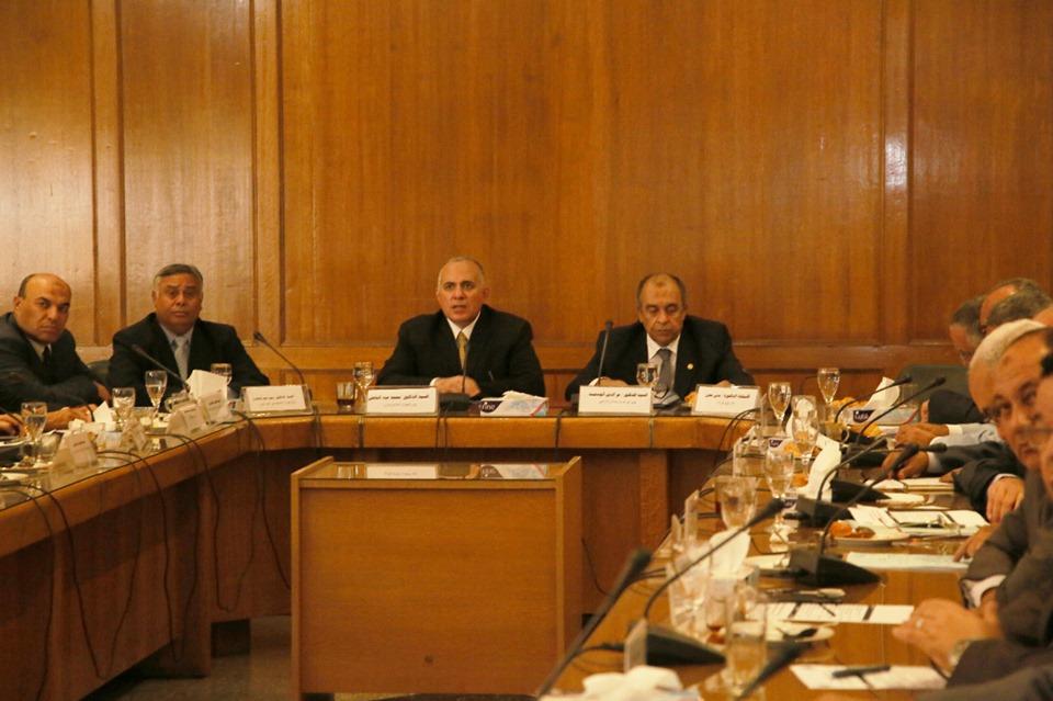 صور | وزيرا الزراعة والري تتفقان على تطوير الصوب الزراعية بجزيرة الدهب