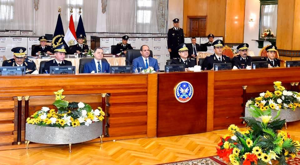 الصحف تبرز حضور الرئيس السيسي اختبارات طلبة الشرطة وانخفاض التضخم