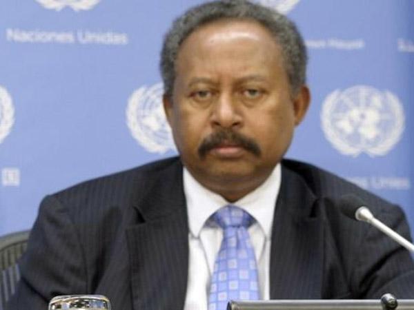 رئيس حكومة السودان يوجه بضبط وتقنين عمليات التعدين