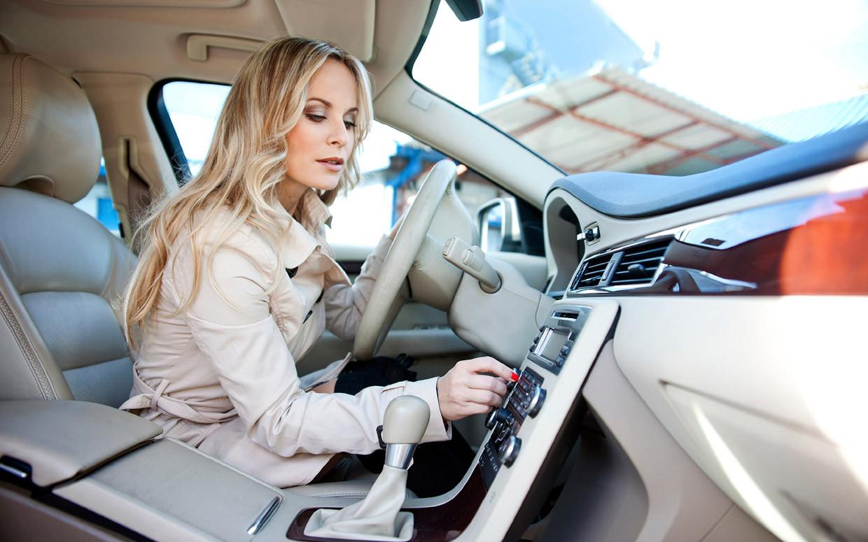 دراسة: الاستماع للموسيقى أثناء القيادة يقلل من إجهاد القلب
