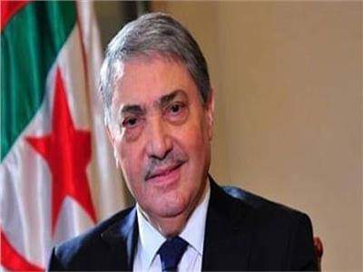 المرشح الرئاسي الجزائري بن فليس يتعهد بحل البرلمان حال فوزه بالانتخابات