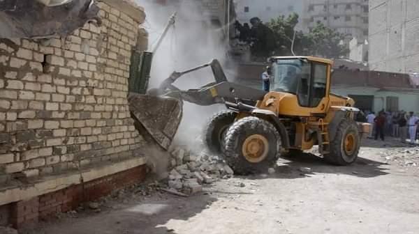 حملة مكبرة لإزالة التعديات على أملاك الدولة بحي العجمي غرب الإسكندرية