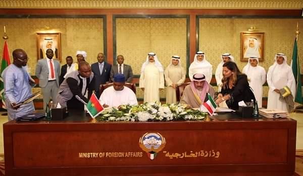 الكويت وبوركينا فاسو يوقعان 3 اتفاقيات تعاون ومذكرة تفاهم