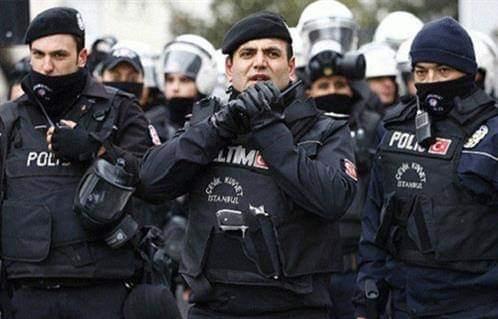 السلطات التركية: انتحار عائلة داخل شقة سكنية في إسطنبول بسبب الأزمة الاقتصادية