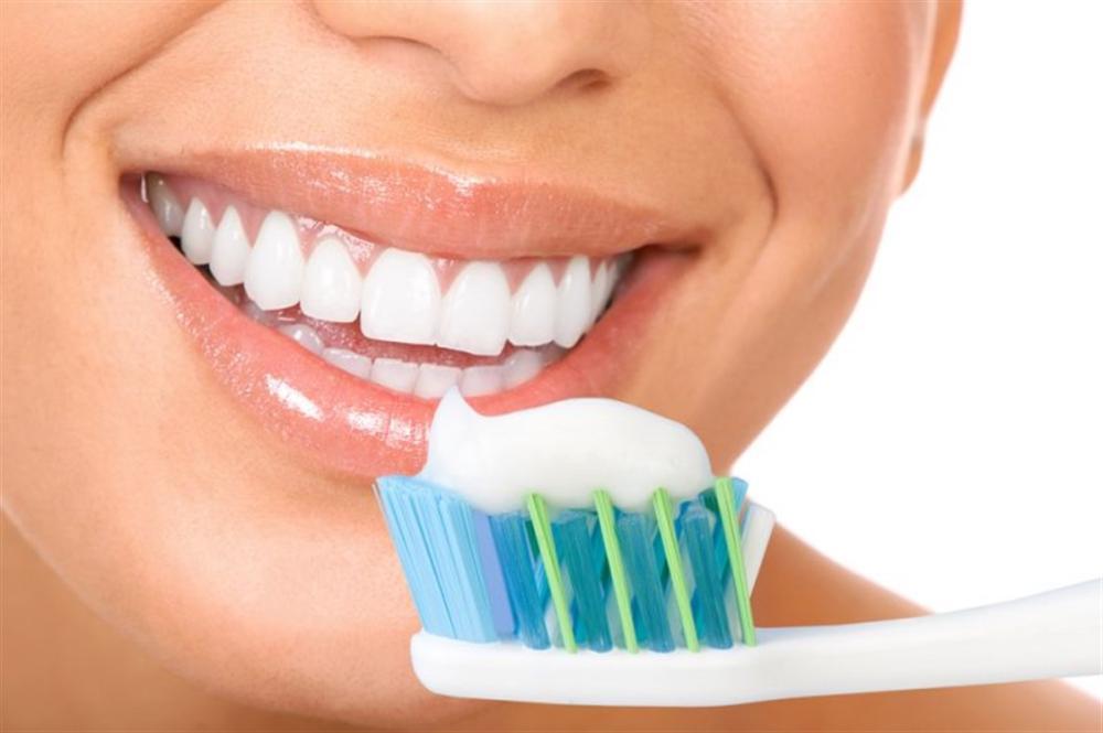 تعرف على الطريقة الصحيحة لتنظيف الفم و الأسنان