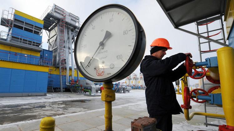 """أوكرانيا تتوصل إلى اتفاق """"مبدئي"""" مع موسكو لنقل الغاز عبر أراضيها"""