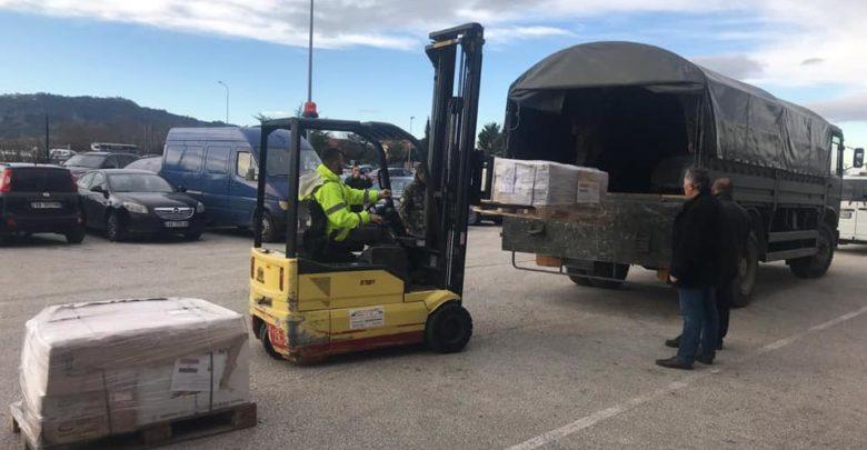 سفارة مصر في تيرانا تسلم شحنة مساعدات دوائية إلى ألبانيا
