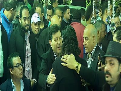 هاني شاكر يقدم واجب العزاء في شعبان عبد الرحيم