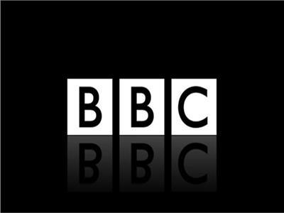 الحكومة البريطانية تتهم BBC بالتحيز.. ندرس إمكانية سحب ترخيصها
