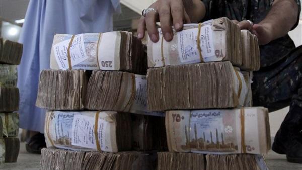 تحذيرات يمنية من قرار الحوثيين منع تداول الطبعات الجديدة للعملة الوطنية