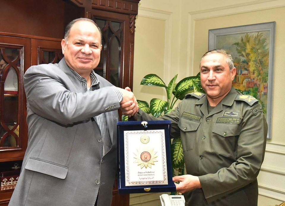 صور | محافظ أسيوط يستقبل قائد المنطقة الجنوبية العسكرية لتهنئته بمنصبه الجديد