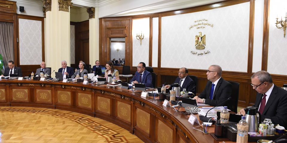 صور |  رئيس الوزراء للمحافظين: تواصلكم مع أعضاء مجلس النواب ضروري لحل مشكلات المواطنين