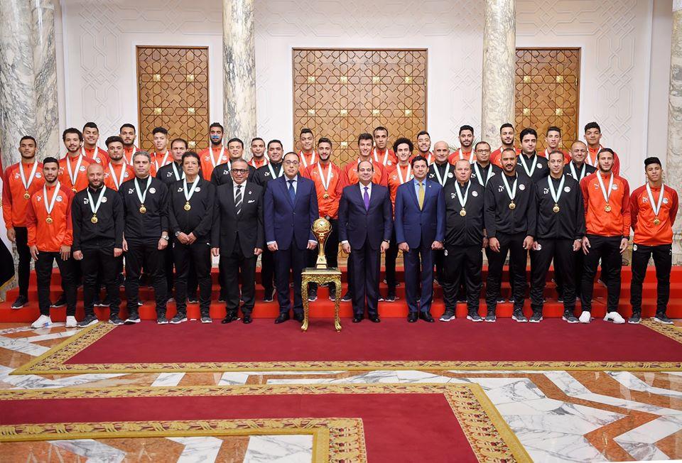 تكريم الرئيس السيسي لأبطال مصر الرياضيين أبرز اهتمامات صحف القاهرة