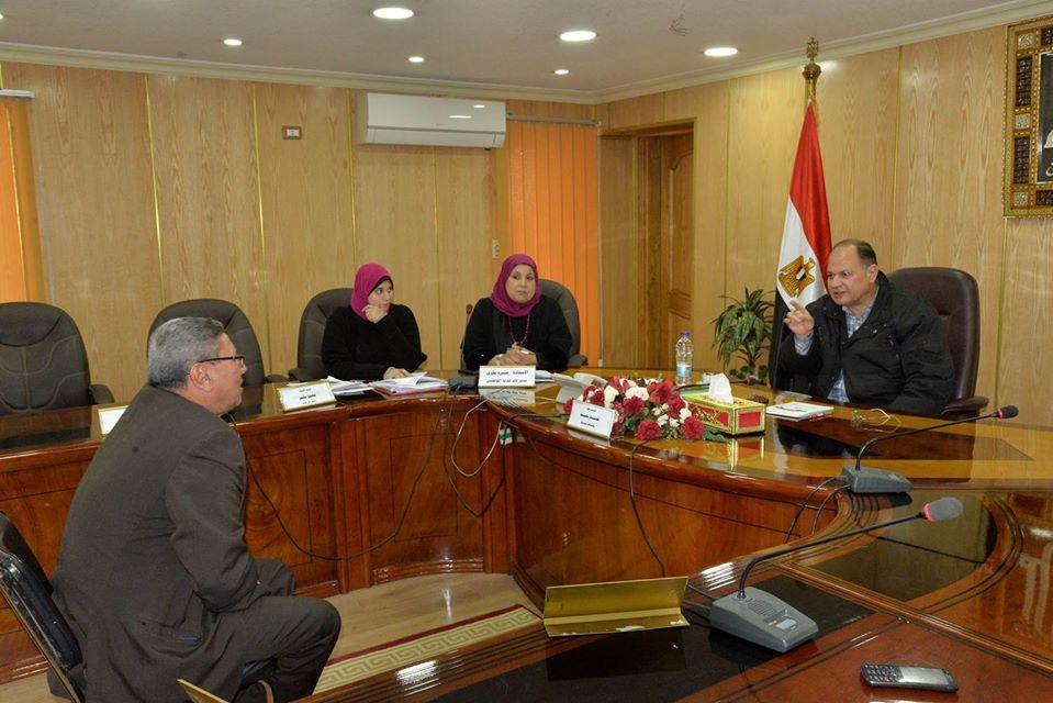 صور | محافظ أسيوط يلتقي المواطنين بحضور ممثلي الجهات التنفيذية
