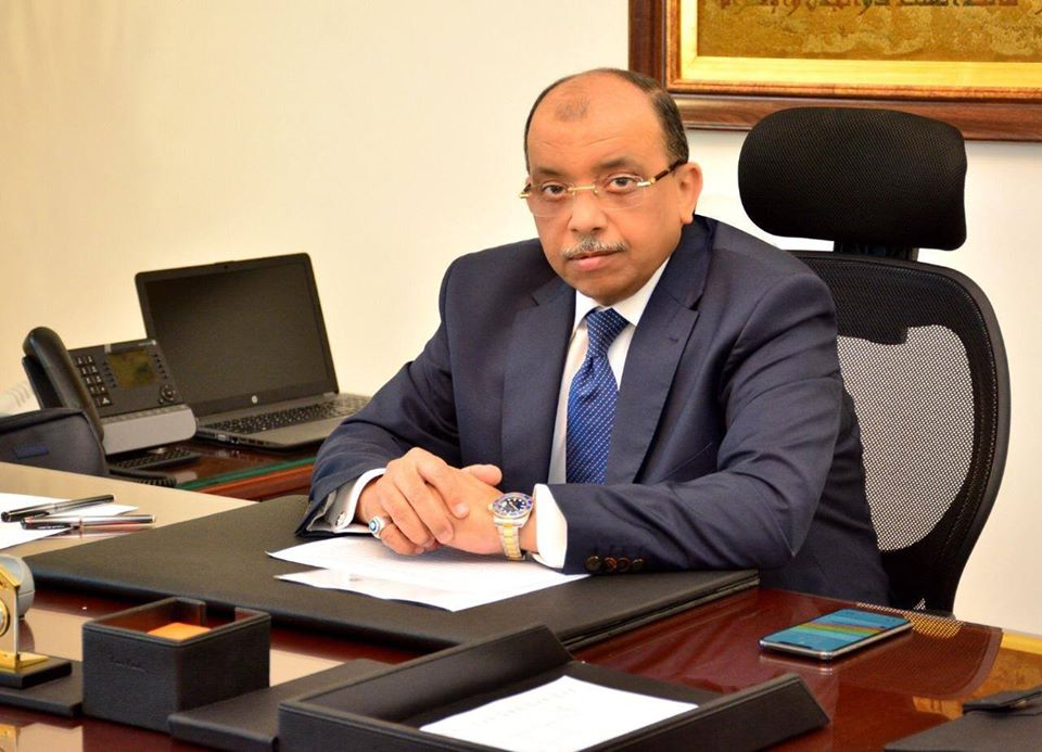 إيقاف رئيس حي 15 مايو عن العمل لحين انتهاء تحقيقات النيابة