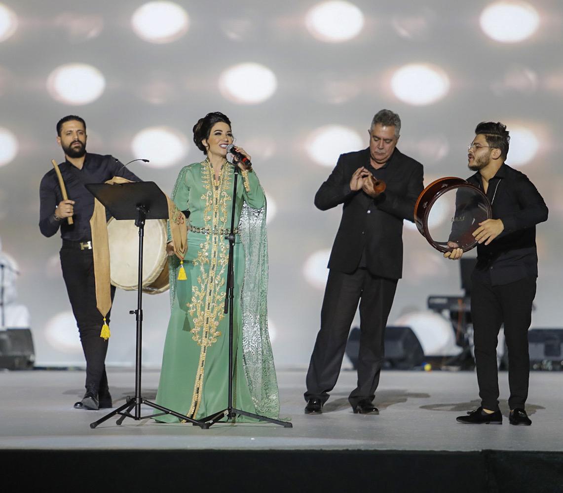 صور | ديانا حداد تتألق فى العيد الوطنى الإماراتى الـ48 بمدينة العين