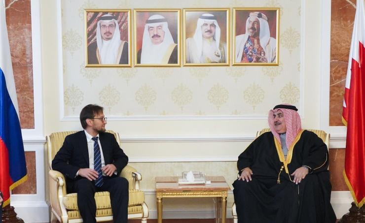 البحرين وروسيا تبحثان القضايا محل الاهتمام المشترك