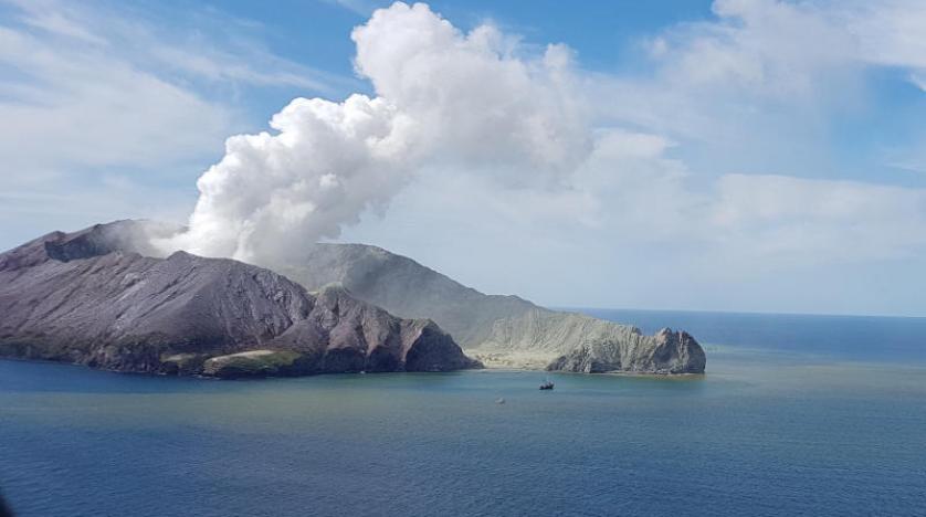 ارتفاع عدد قتلى ثوران بركان فى نيوزيلندا الشهر الماضي إلى 20 شخصا