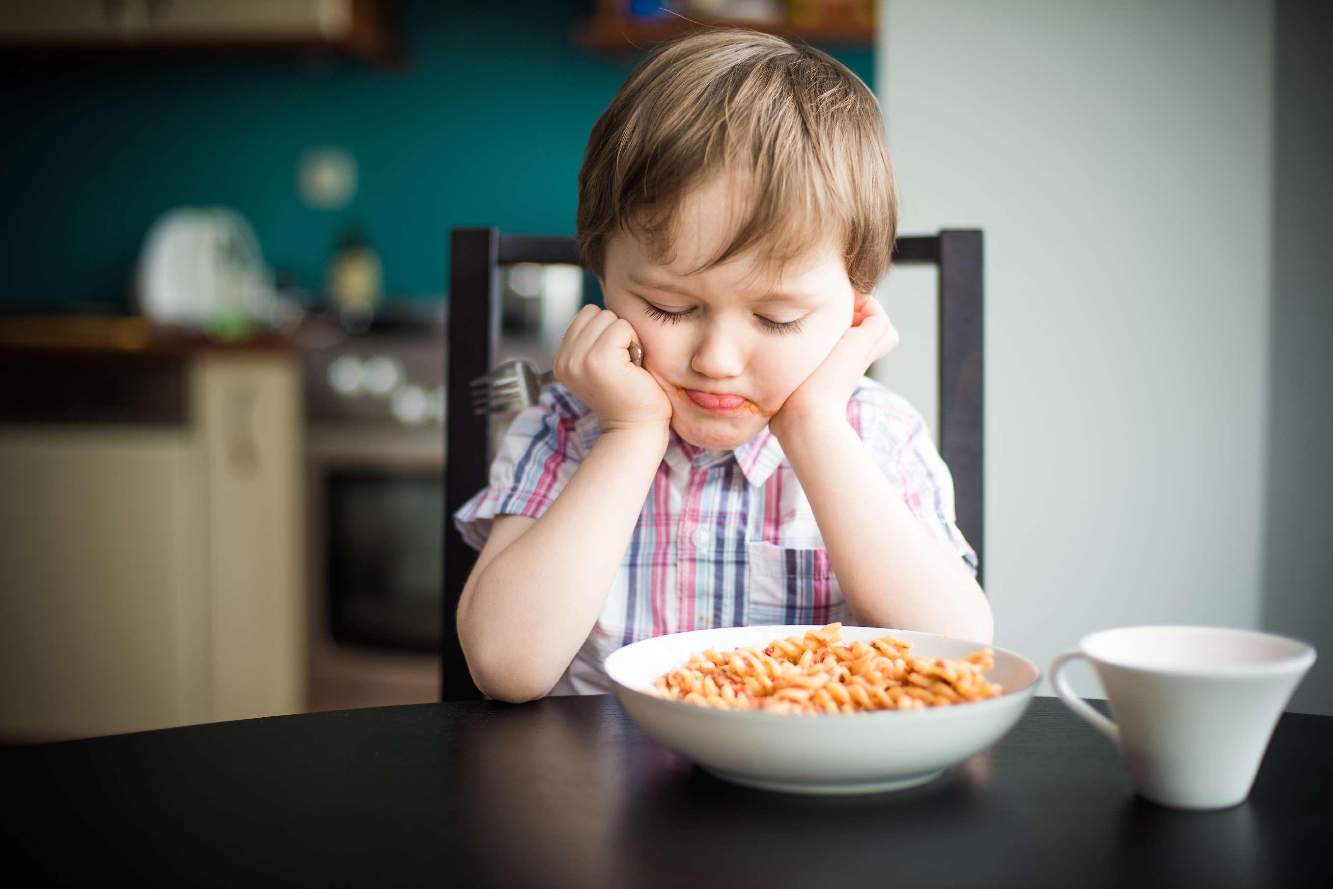 دراسة: استخدام وسائل التواصل الاجتماعي مرتبط باضطراب الأكل عند الأطفال