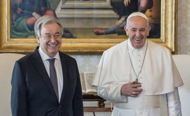 بابا الفاتيكان يهدي نسخة من إعلان الأخوّة الإنسانية لجوتيريش