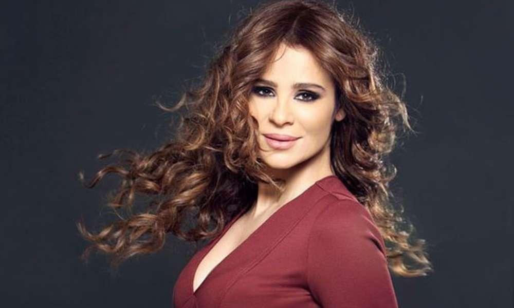 كارول سماحة: انتظروني بحفل أكثر من رائع بمسرح جامعة مصر الجمعة المقبلة