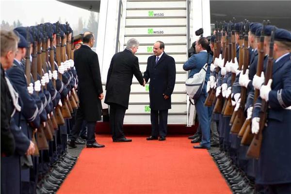 عاجل.. الرئيس السيسي يصل ألمانيا للمشاركة في اجتماع برلين حول ليبيا