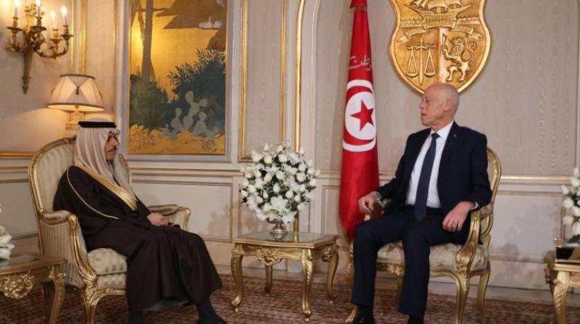 خادم الحرمين يوجه دعوة رسمية للرئيس التونسي لزيارة السعودية