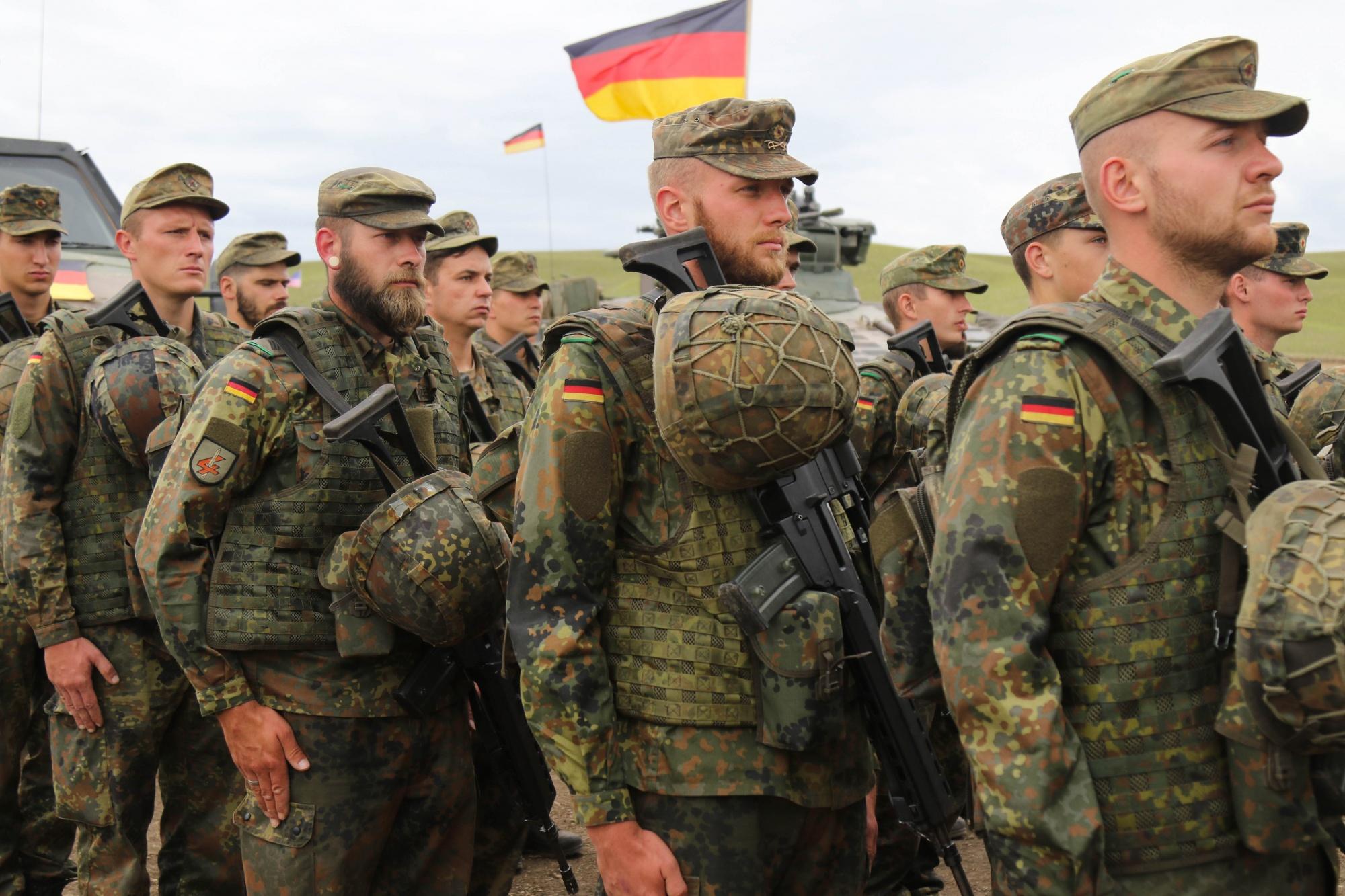 ألمانيا تسحب عددا من جنودها من العراق