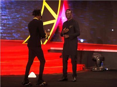 محمد صلاح يوجه رسالة لـ«ماني» بعد فوزه بجائزة أفضل لاعب في إفريقي