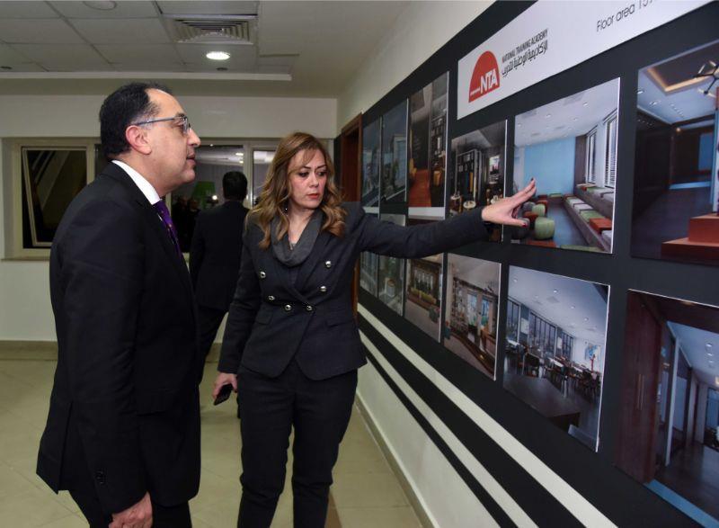 صور| رئيس الوزراء يتفقد الأكاديمية الوطنية للتدريب