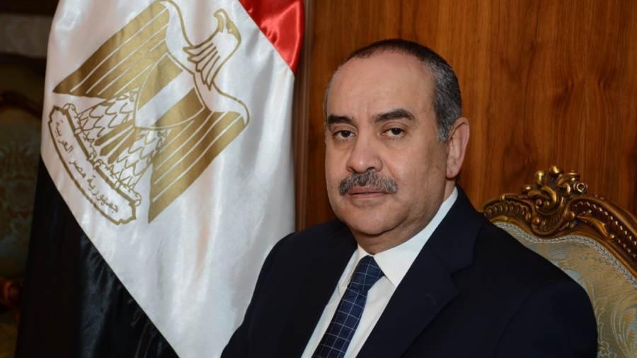 وزير الطيران يشيد بالتكامل بين أجهزة الدولة