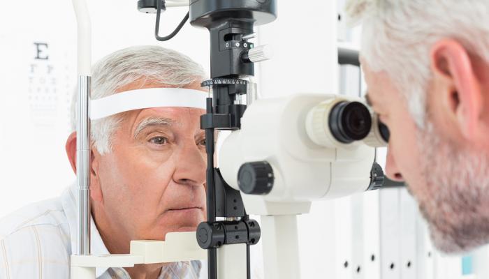 اتباع نظام غذائي غير صحي يرتبط بفقدان البصر في الشيخوخة