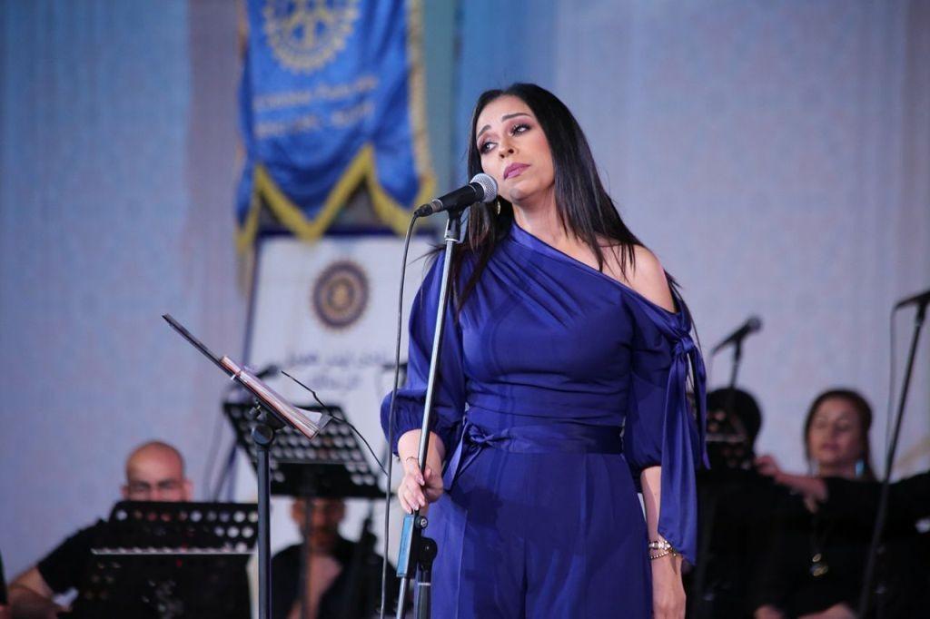 مروة ناجي تشدو بأغاني كوكب الشرق في حفل كبير بقصر المانسترلي