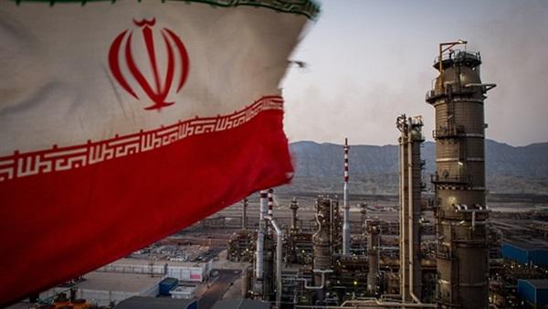 عقوبات أمريكية جديدة على أفراد وشركات مرتبطة بقطاع النفط الإيراني