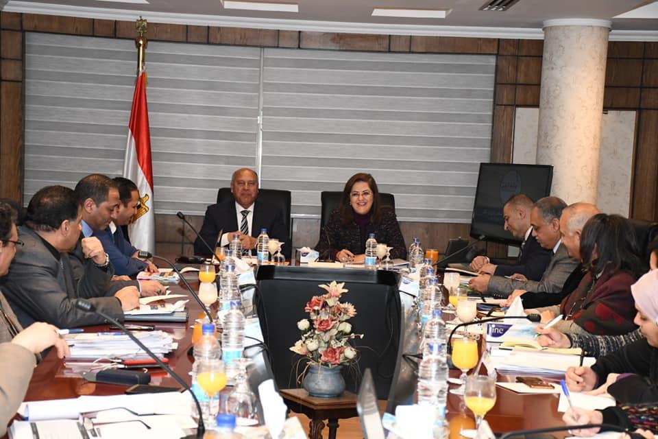 الوزير و السعيد يناقشان تفاصيل الخطة الاستثمارية لوزارة النقل