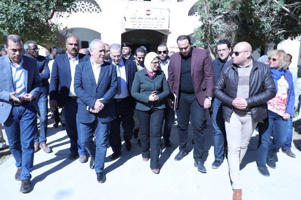 صور   وزيرة الصحة توجه بتحويل وحدة صحة طيبة إلى مركز طبي لخدمة الأهالي