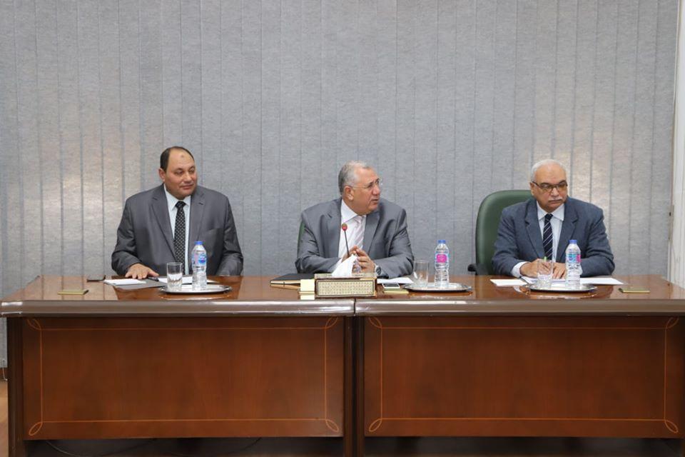 وزير الزراعة : الرئيس السيسي وجه بدعم الفلاح وتحقيق التنمية الزراعية