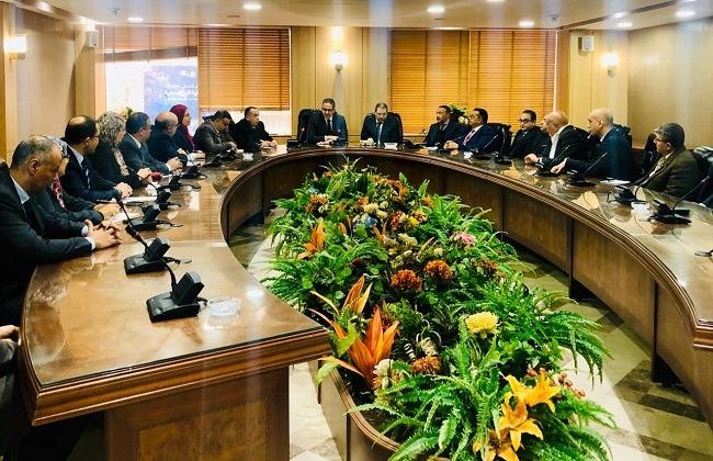 صور | وزير السياحة والآثار يعقد لقاء موسعا مع قيادات الهيئة العامة للتنمية السياحية