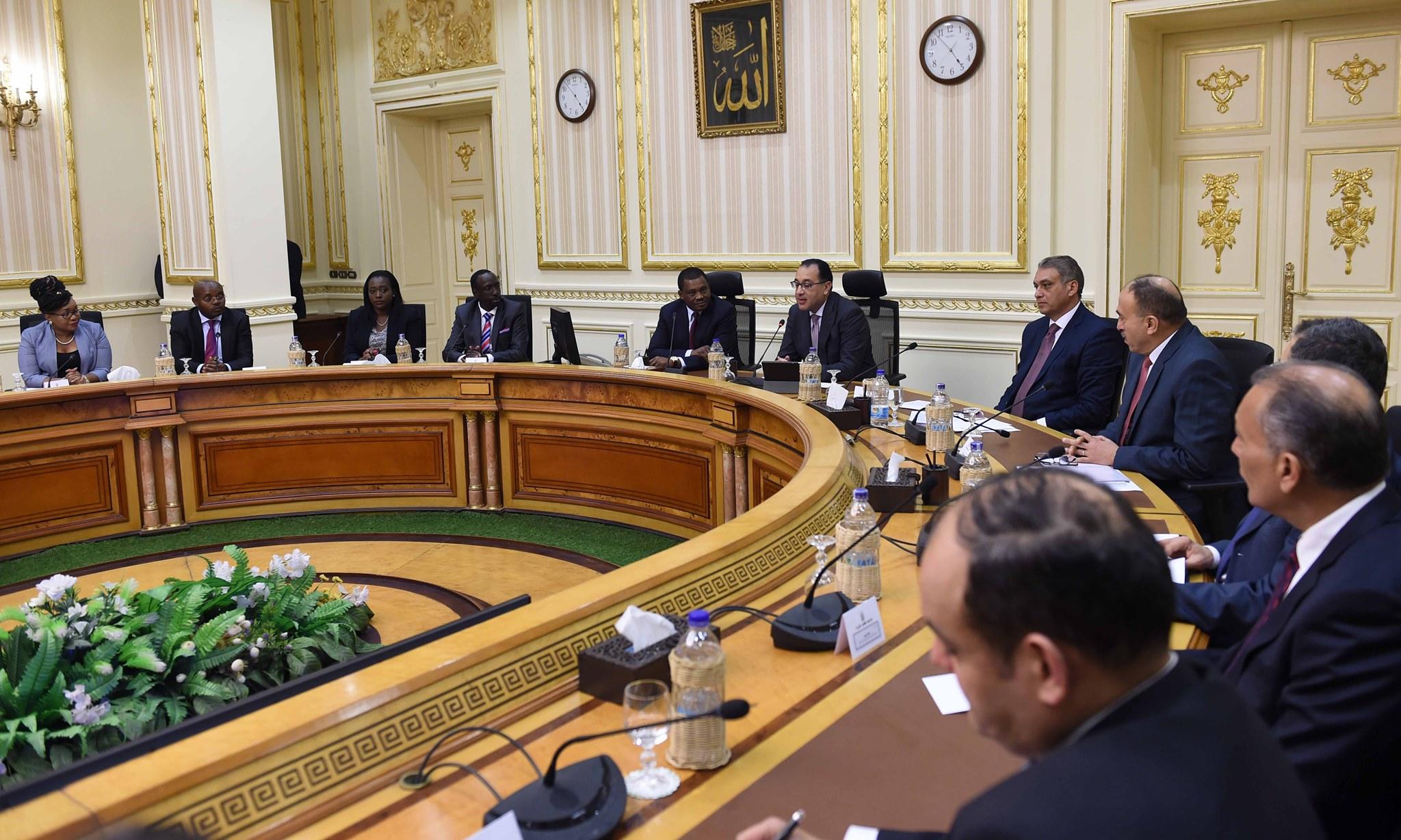 صور | رئيس الوزراء يبحث سبل تعزيز العلاقات الثنائية مع رئيس الجمعية الوطنية الكينية