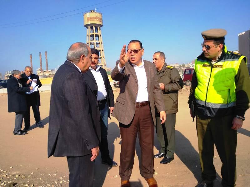 صور | محافظ الشرقية يُتابع أعمال التطوير الجارية بكورنيش بحر مويس أمام جامعة الزقازيق