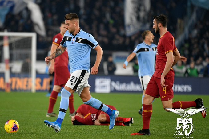 صور | روما يوقف انتصارات لاتسيو بتعادل مثير في الدوريالايطالي