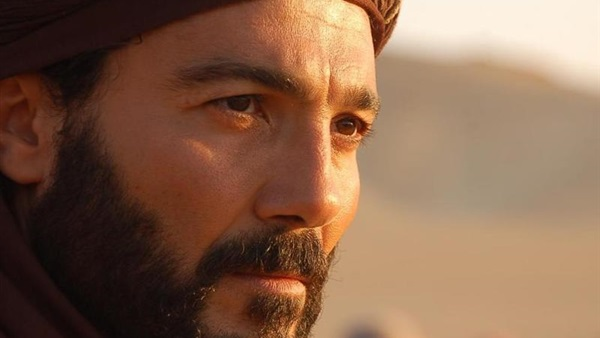 نقل الفنان «خالد النبوي» إلى المستشفى
