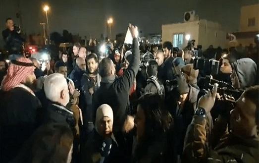 وقفة احتجاجية أمام السفارة الأمريكية بعمان رفضا لخطة أمريكا للسلام