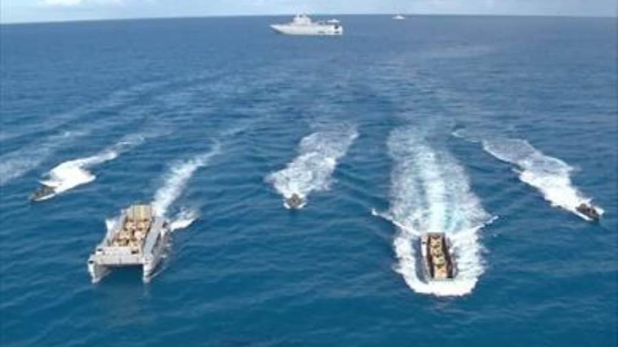 القوات البحرية تنفذ عملية برمائية كاملة بالبحر المتوسط