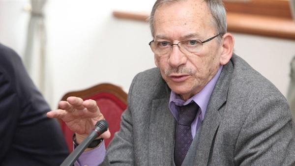 التشيك: وفاة رئيس مجلس الشيوخ ياروسلاف كوبيرا عن 72 عاما