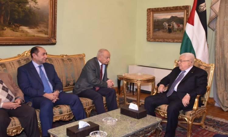 """أبو الغيط لـ""""أبو مازن"""": العرب لن يتخلوا عن الفلسطينيين"""