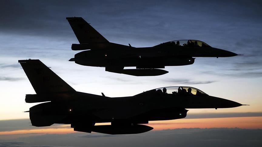 مصدر أمني عراقي: الطيران الأمريكي يحلق فوق عدة مناطق بغداد