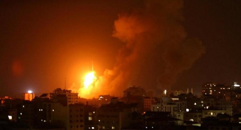 إسرائيل تشن غاراتها على قطاع غزة من جديد