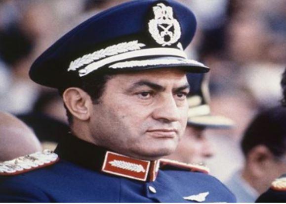 سلام على مبارك.. شرف البدلة العسكرية
